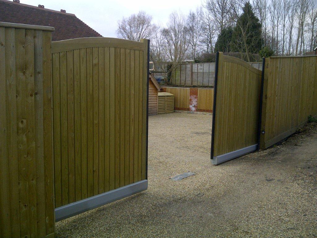 Wooden Electric Gates Solar Gates Uk Whitstable