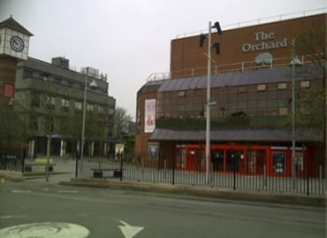 Security 'Drama' at Orchard Theatre, Dartford