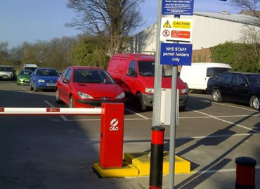 UK's First Solar O&O Barriers Installed At Warwick Hospital